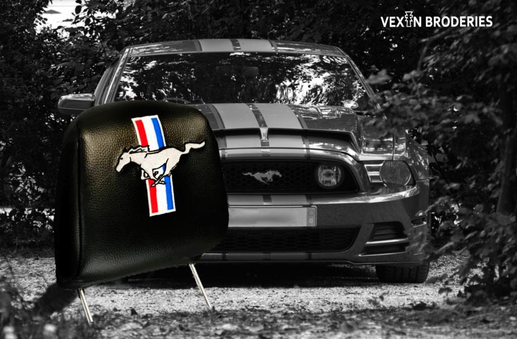 Vexin Broderies logo Mustang brodé sur appui-tête
